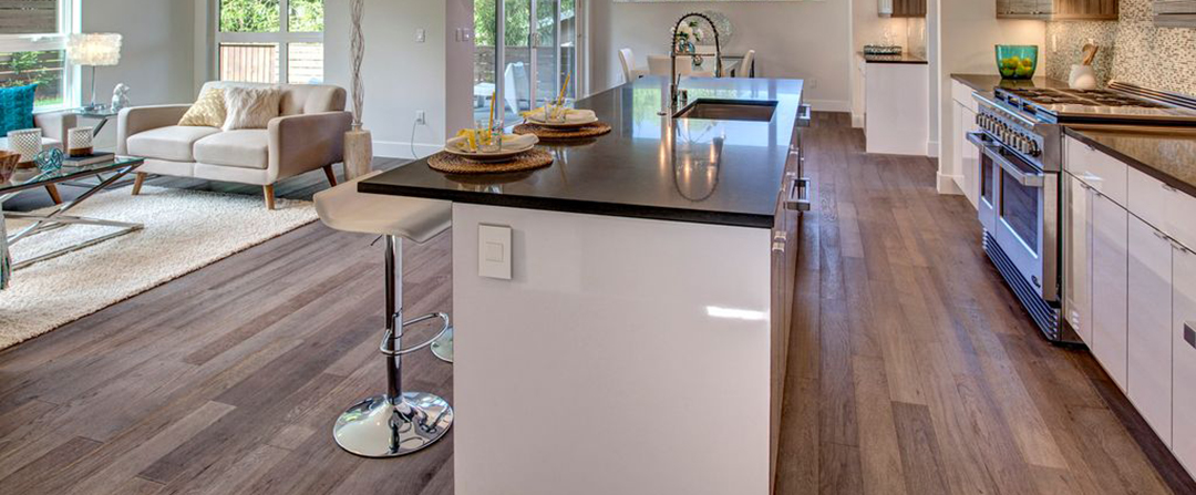 Modern Kitchen With Quartz Countertops Breakfast Bar And